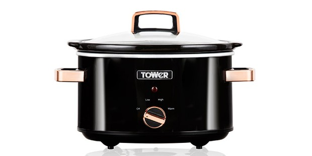 Tower Infinity slow cooker in black and rose gold on a white background
