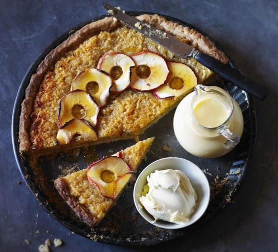 Treacle apple tart