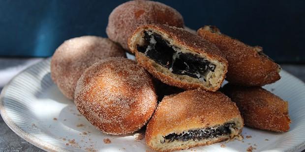 Treats Club Dessert Bar Oreo doughnuts
