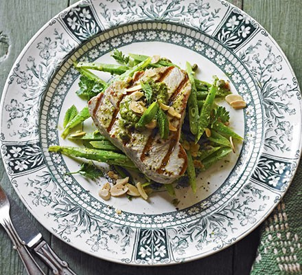 Seared tuna & anchovy runner beans