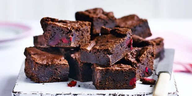 Vegan cherry and almond brownies