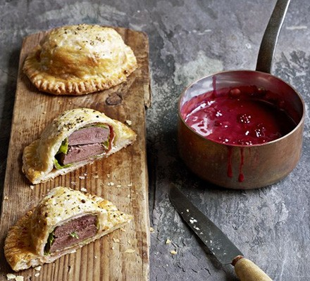 Pigeon pies with bramble gravy