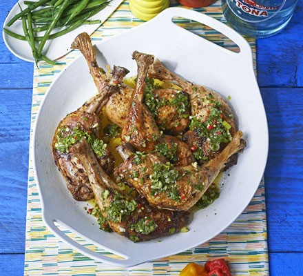 West Indian-style chicken legs with sauce chien