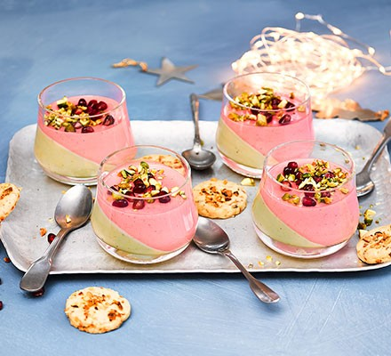 Four winter berry & white chocolate pots