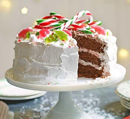 Winter wonderland cake on a cake stand