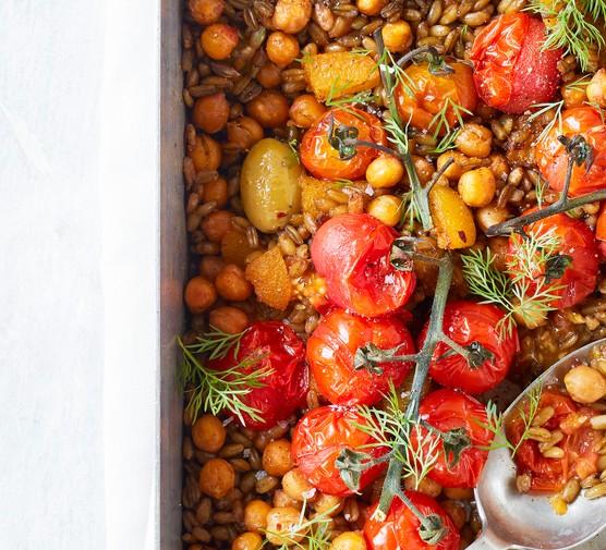 lentil, tomato and freekah traybake