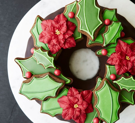 One chocolate biscuit wreath cake