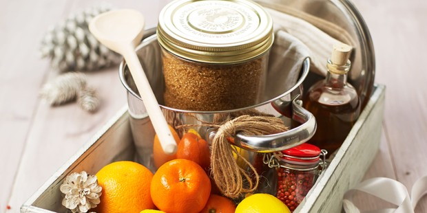 Whisky and peppercorn marmalade kit with citrus fruits