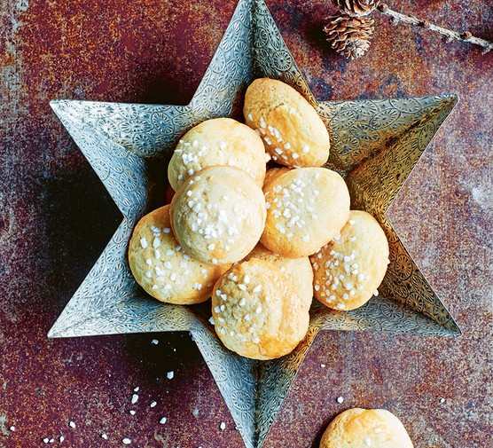 Norwegian butter cookies served in a star shaped dish