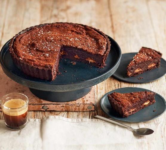 Millionaire's chocolate brownie tart