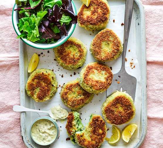 Pea & mint fishcakes with green salad