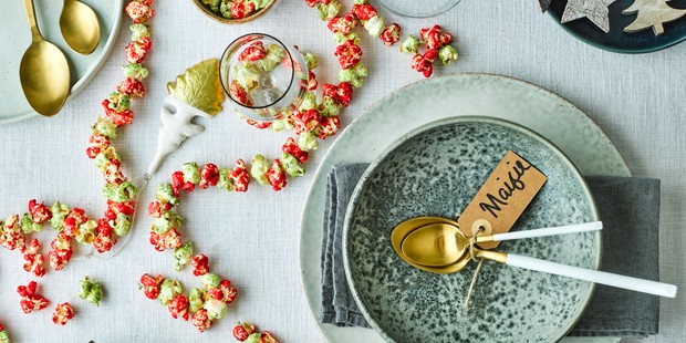 Red and green popcorn bunting with tableware