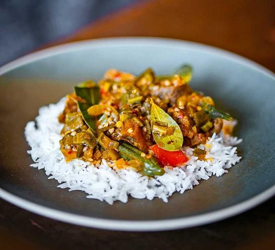 Superkanja served with rice