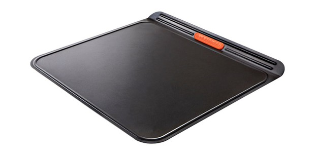 Le Creuset baking sheet