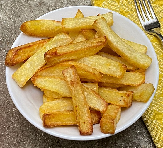 Air fried chips on a plate