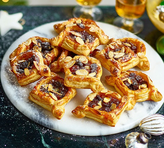 A selection of easy almond mince pie puffs