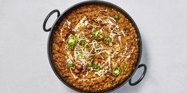 Dhal makhani with chillies and cream