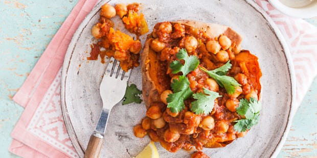 Chickpea curry with potato on plate