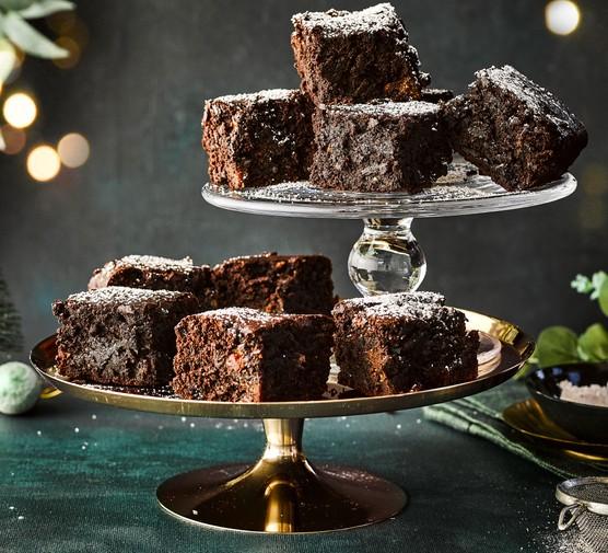 Christmas pudding brownies on plates