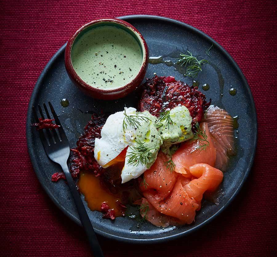Beetroot rosti with green yogurt & smoked salmon