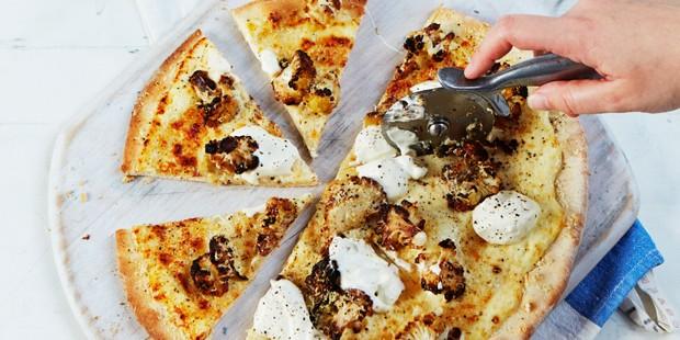 Roast cauliflower cheese pizza