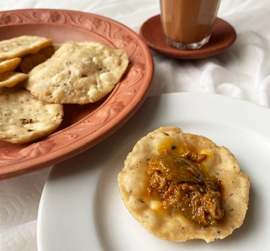 Spiced Indian crackers (mathri)