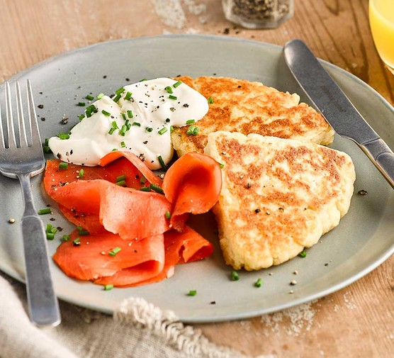 Potato scones with smoked salmon & soured cream with chives