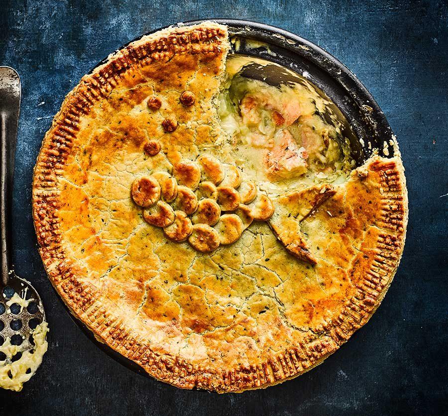 Creamy leek, potato, cheddar & chive fish pie