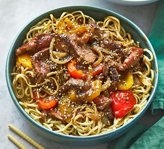 Pepper steak with noodles in a bowl