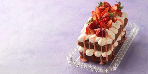 Strawberry Drizzle Cake