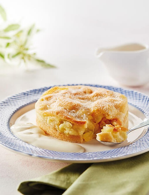 Bramley apple pie and smooth vanilla custard