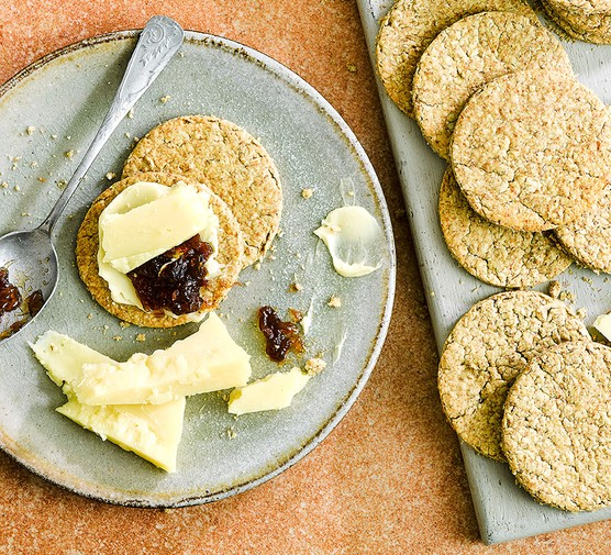 Oatcakes served with cheese and chutney