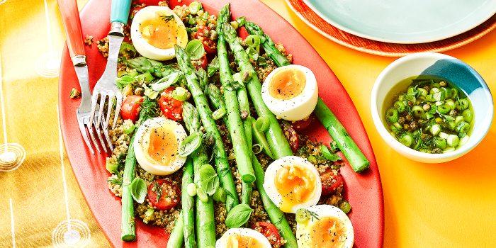 Quinoa salad with eggs & dill
