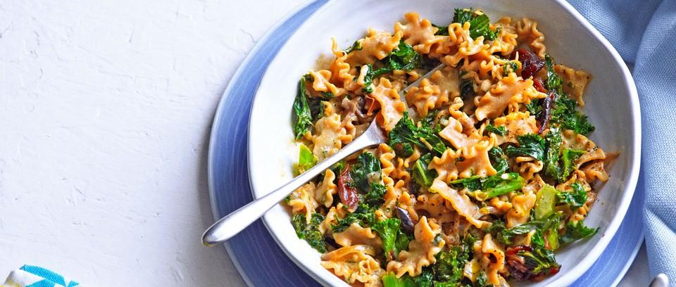 Creamy kale pasta in bowl