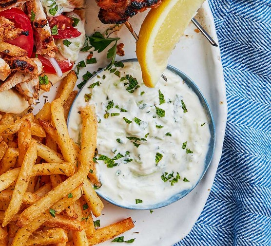Tzatziki with chips