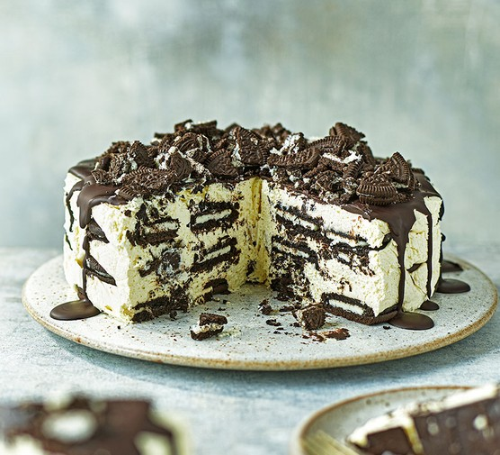 Cookies & cream fridge cake with the first slices cut away
