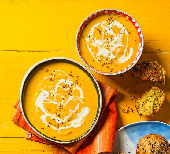 One-pan carrot & cumin soup in two bowls