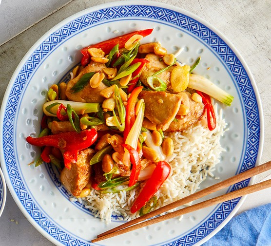 Soy & chilli chicken with peppers & peanuts served with rice