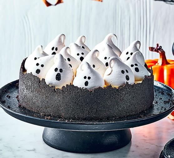 Spooky Halloween marshmallow cheesecake