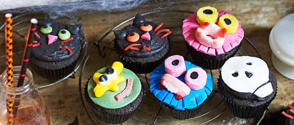 Homemade halloween black velvet halloween cupcakes