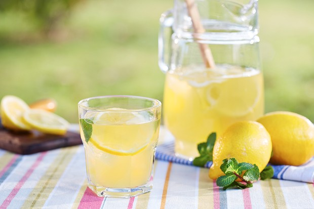 The Hummingbird Bakery Fizzy Lemonade Cupcakes