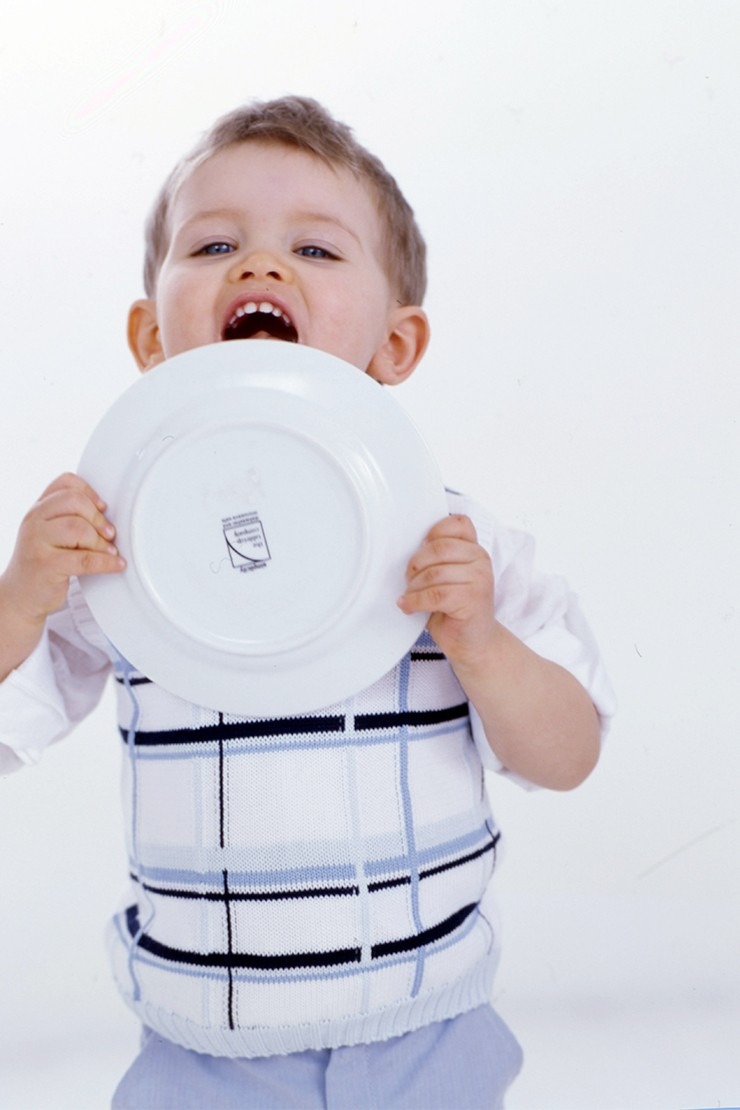 vFour simple rules for restaurant dining with children