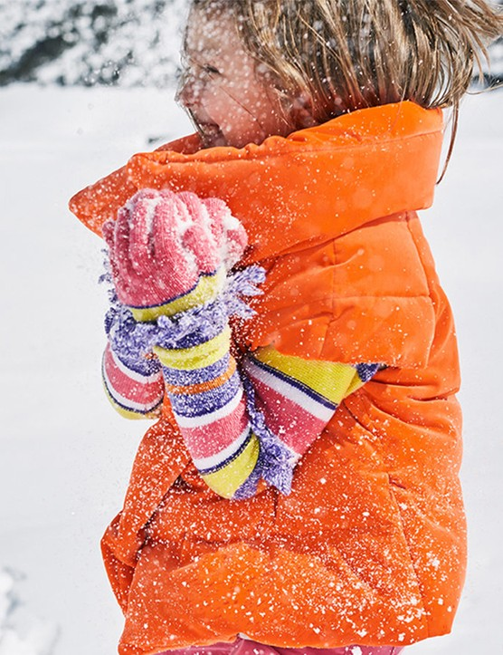 9 ways for children to have fun in the rain, wind and snow