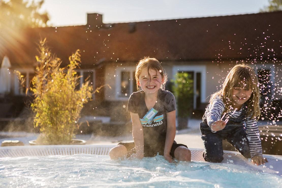 Fun at Kosta Lodge, Småland (PICT: Alexander Hall/Visit Sweden)