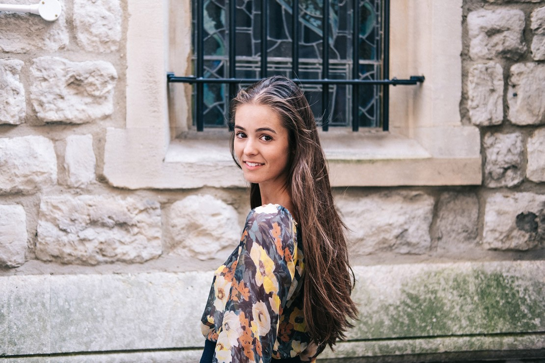 Junior meets Olivia Callaghan of PLOX | 5 Minute Chats