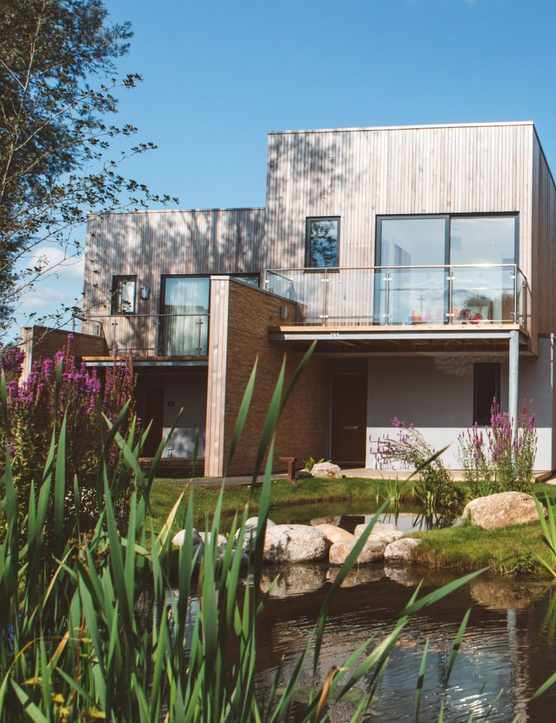 Habitat Escapes in the Cotswolds: A luxury lakeside break?