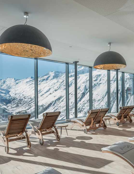 Hotel Riml: High altitude skiing for families in Hochgurgl, Austria