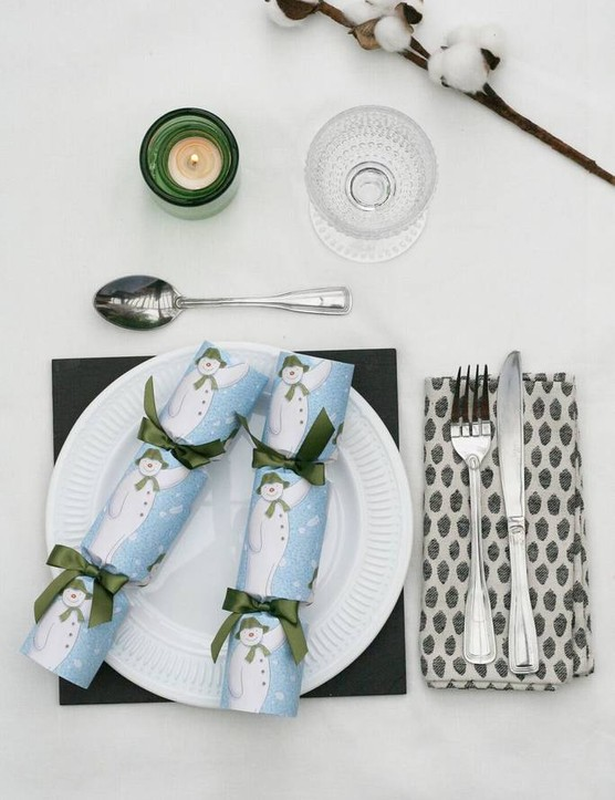 original_official-the-snowman-luxury-christmas-crackers
