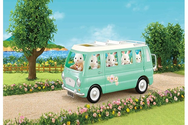 For larger collections, this flowery van is a great way to send your Sylvanian Family on a trip