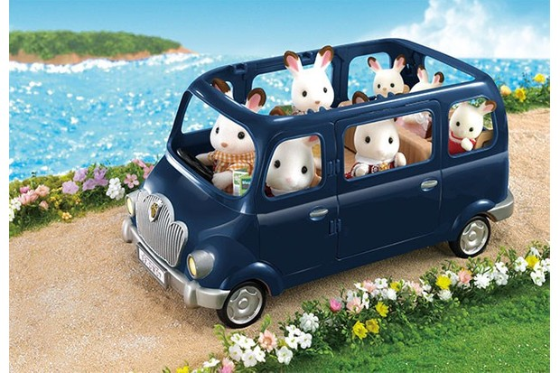 They're going on a trip! Check out this dark blue van, fit for Sylvanian Families of all sizes.